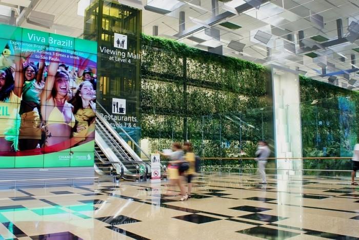 JCDecaux, numéro un mondial de la publicité en aéroport