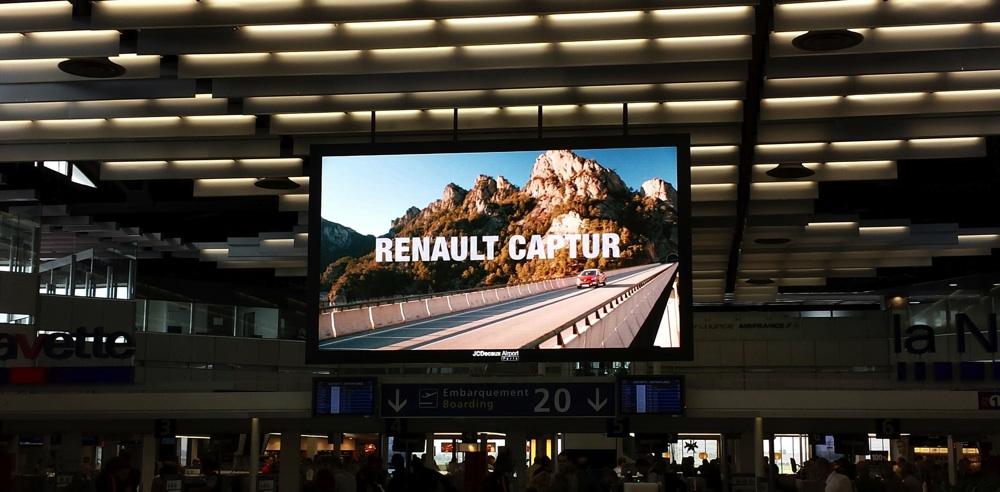 JCDecaux-Airport-Paris-Orly-Ouest-Renault