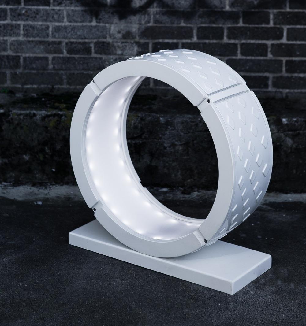 La solidité de la céramique au service du luminaire zeroUno par Philips