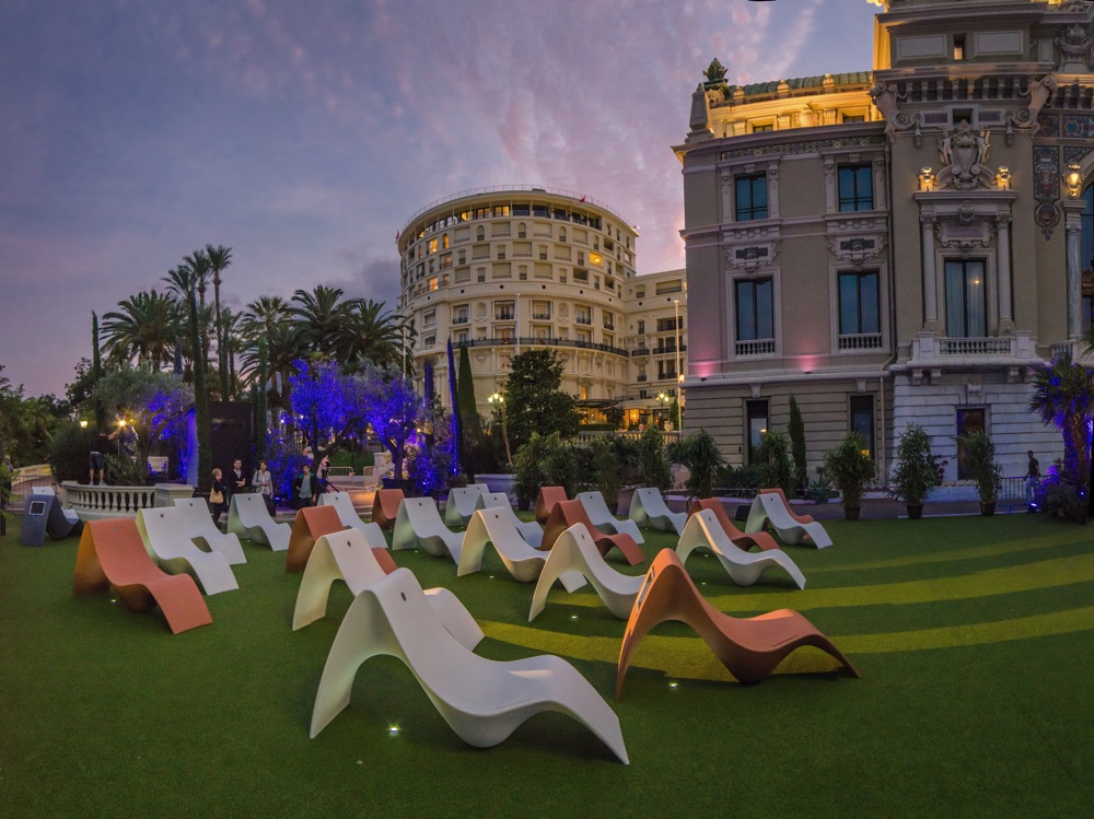 Bancs audio-solaires Sunfony© à Monte Carlo
