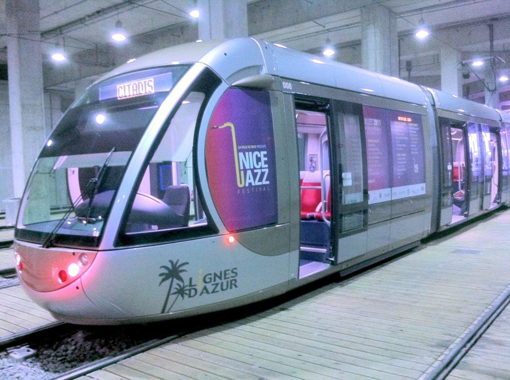 Le tramway de Nice à l'heure du Jazz festival