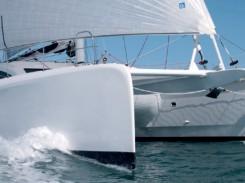 Le catamaran Outremer 5X dessiné par Patrick le Quément et l'agence VPLP, élu Bateau Européen de l'année 2013 et Multi-coque de l'année USA 2014