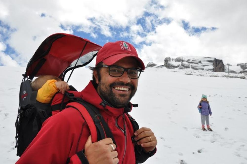 Daniele Costantini est Directeur et membre fondateur de Hookah Brésil