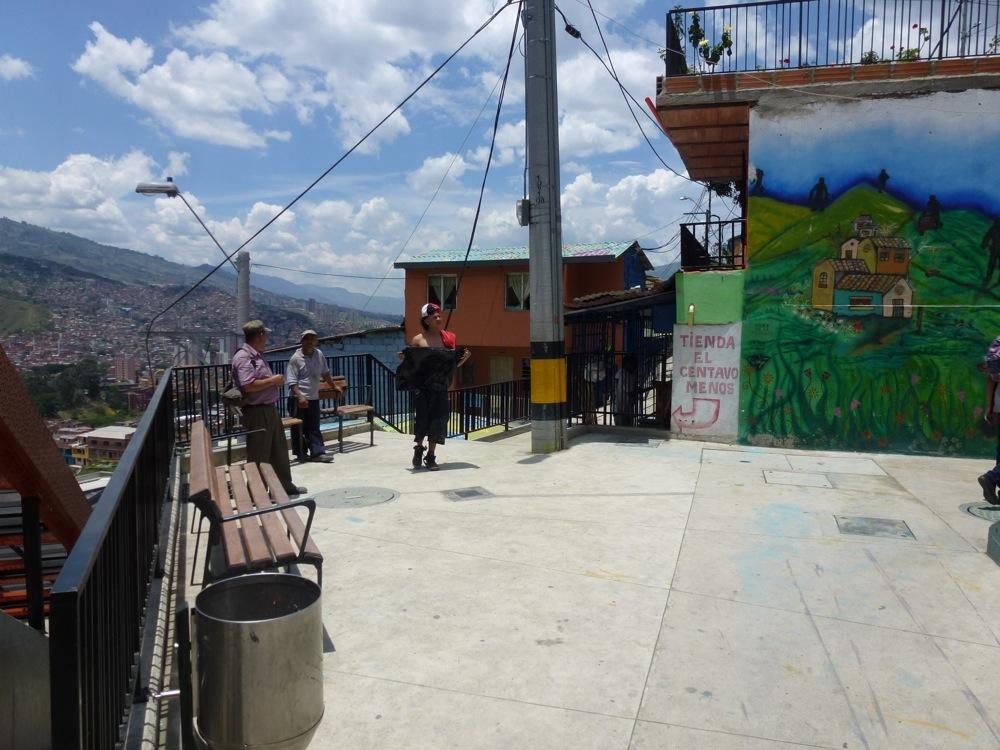 A Medellin, un exemple de micro espace public créé dans les quartiers marginaux.