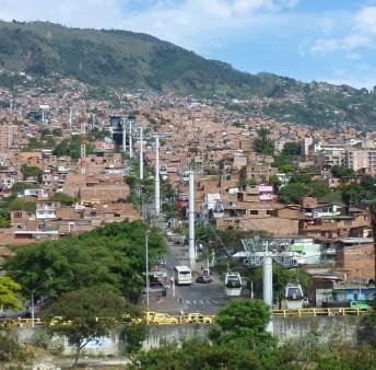 Le Metrocable de Medellin en Colombie © Catherine Paquette